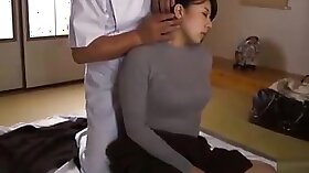 Dude on massage and fucks amazing babe