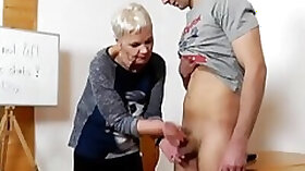 Spicy mature british lady is sucking penis