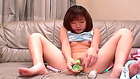 asian gf in nice pussy play with dildo