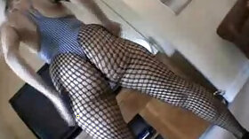 British MILF showing her body and her ass on Prime Cups