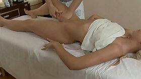 Curvy Spiceoe having her pussy rubbed